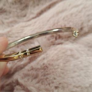 Jewelry - Nwot Gold & diamond bangle